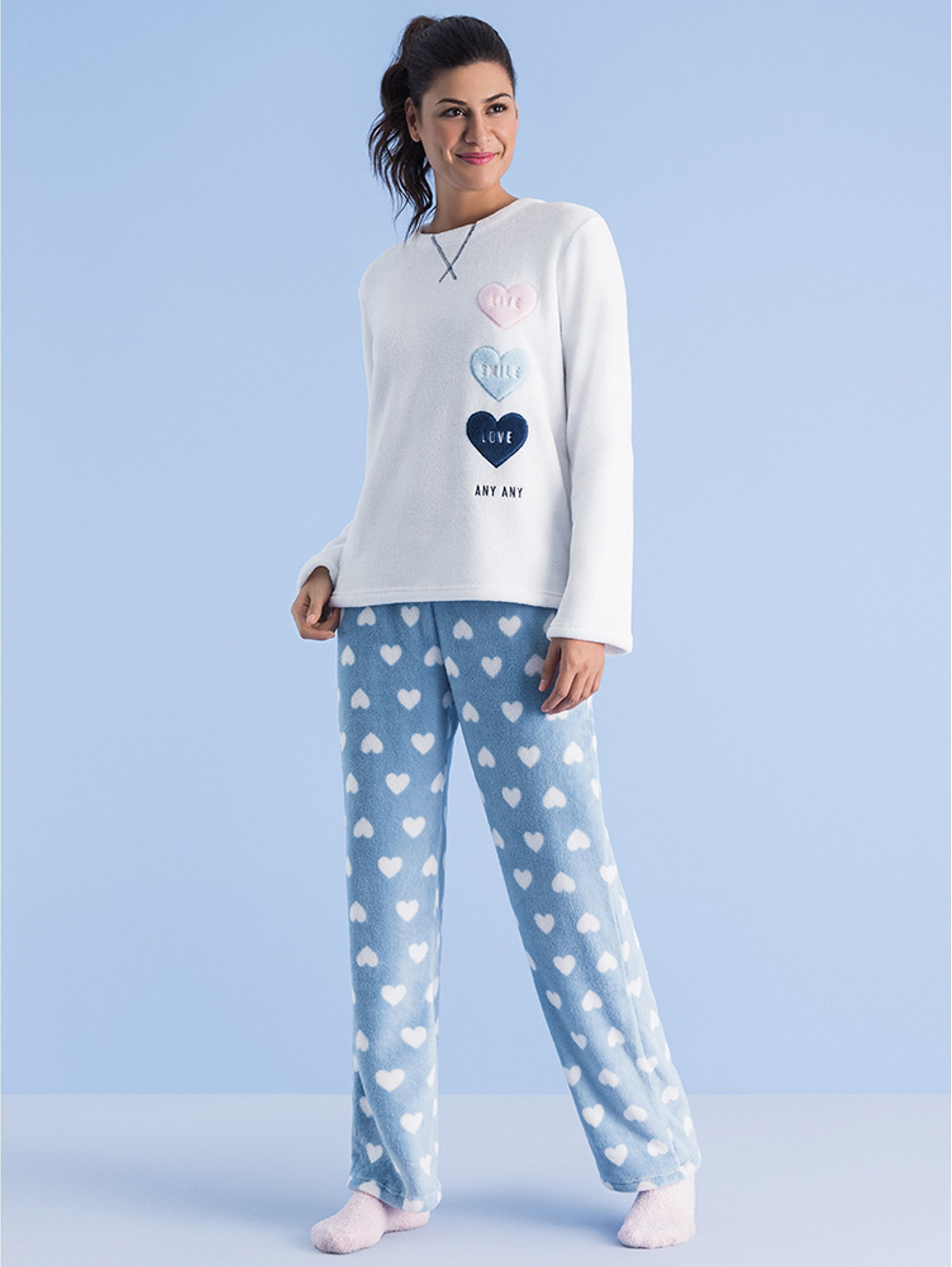 PL-ML-T-LIVE-AND-SMILE_04.01.1247